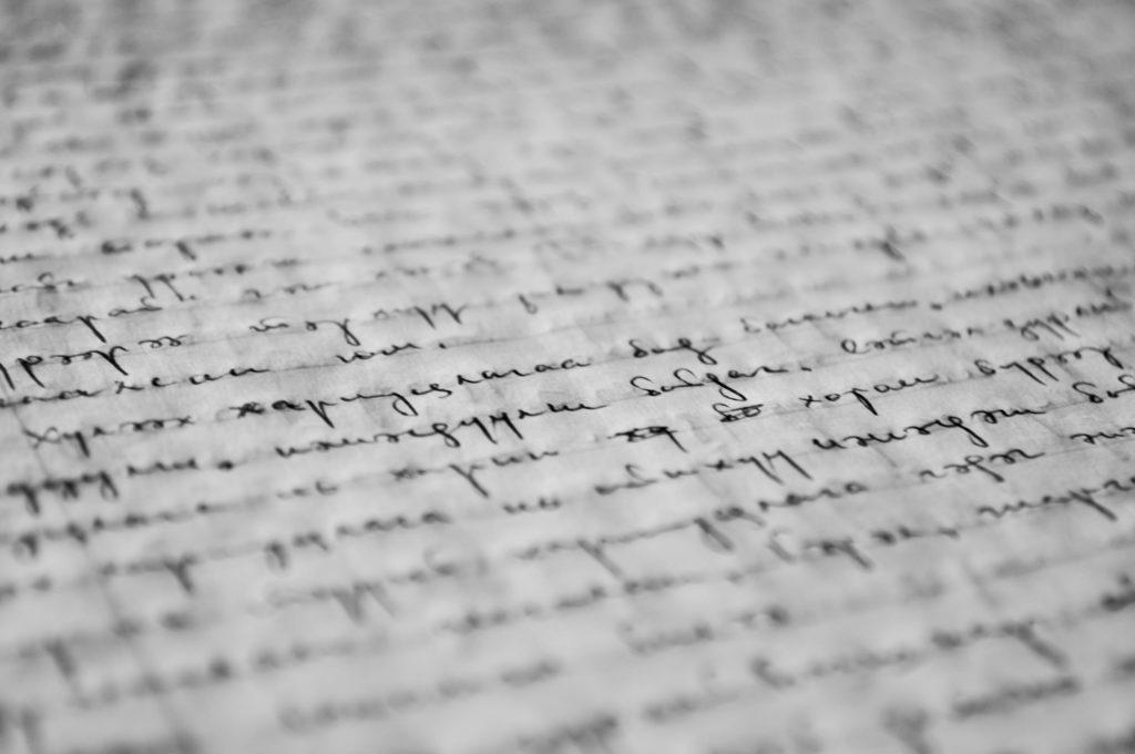 écrire une lettre à la main