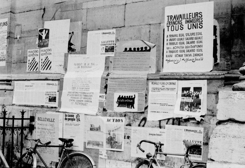 Mai 68 : tracts sur les murs de La Sorbonne
