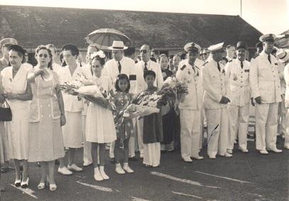 accueil officiel aéroport de Saigon fin années 1940